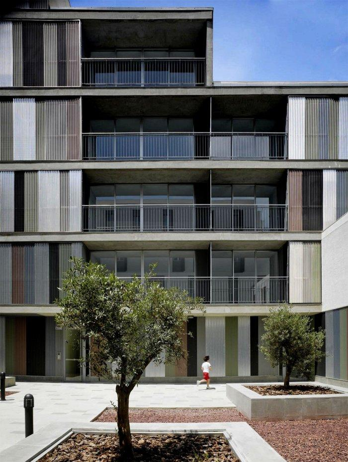 Residential Building Patio - Contemporary Apartments Building Architectural Approach