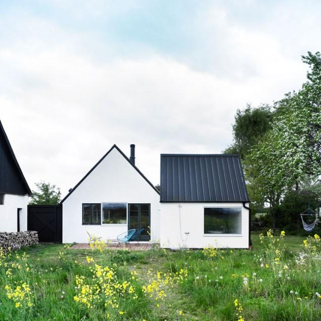 Small Scandinavian Eco House Nested in Österlen