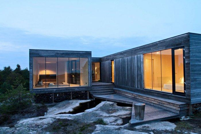 Lovely Small Summer House by the Ocean