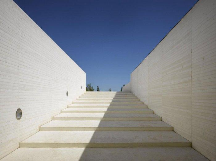 Wide Modern Stairs - The Madinat al-Zahra Museum - Spanish Architecture