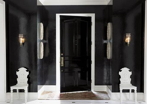 Black wooden door and black walls - Home Decorating Tips and Interior Color Schemes