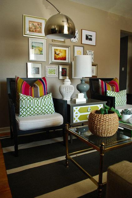Low-Cost Decoration Ideas - Chairs decorated with colorful cushions