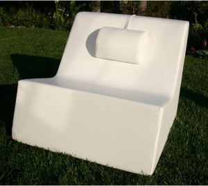 Comfortable White Garden Chair - Patio And Outdoor Furniture Ideas and Examples