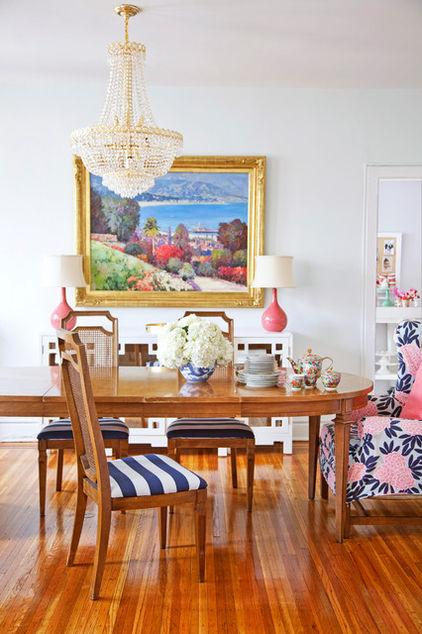 10 Stunning Cozy dining room with a painting on a white wall Ideas for a Lovely Home