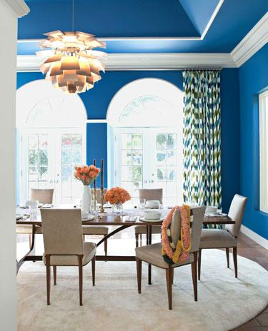 Electric blue walls in the dining room - Home Decorating Tips and Interior Color Schemes