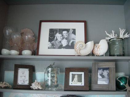 Cupboard photos and family portraits – home decoration