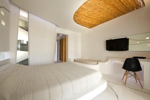 Futuristic hotel interior design andronikos mykonos for Hotel room interior design