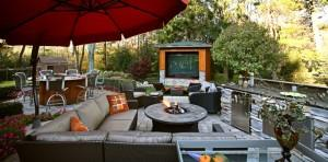 Garden Sitting Comfortable Furniture Sofa and Big Screen - Outdoor Media Entertainment Room for Garden Fun