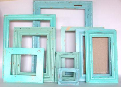 Green wall photo frame - Arranging it as Home Decoration