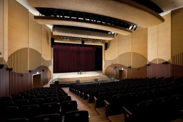 Sustainable Huge Lecture Hall Modern Design in S. Korea
