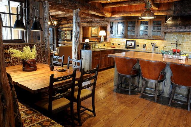 Huge and spacious mountain lodge with kitchen and dining area in Montana, USA