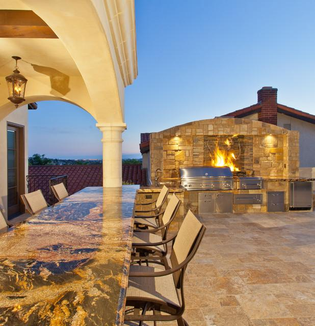 Luxury Outdoor Kitchen: Where, How And Why To Place Them