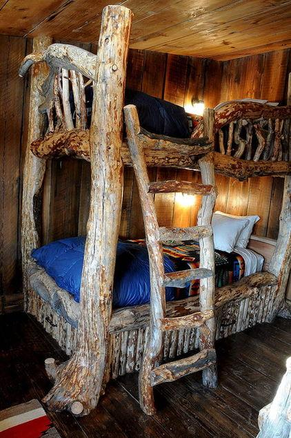 Mountain Lodge with rustic bunk bed design in Montana, USA