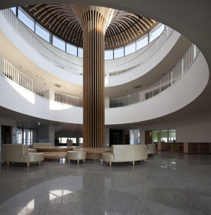 Sustainable School Lobby Architecture in S. Korea
