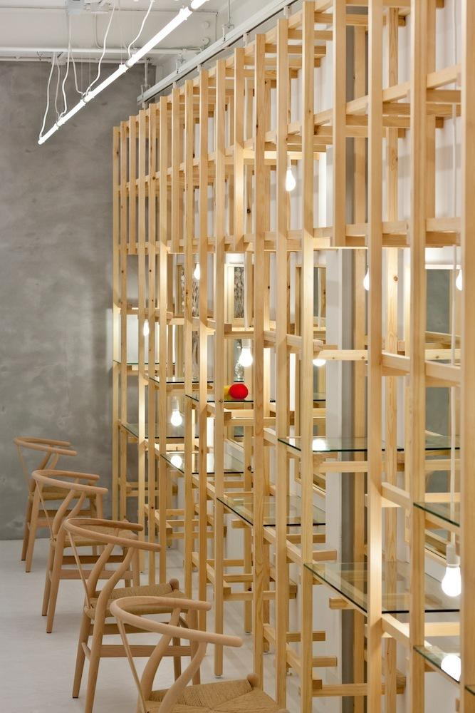 Three Dimensional Lettice Screens - Link Beauty Salon - Simple and Exciting Interior Design