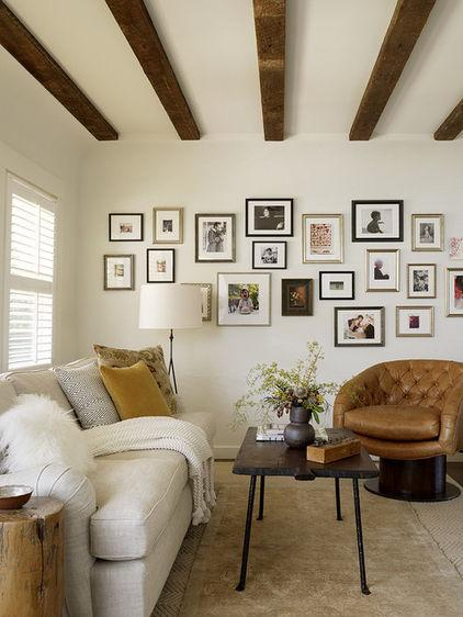 Wall photos in the living room- Arranging them as Home Decoration