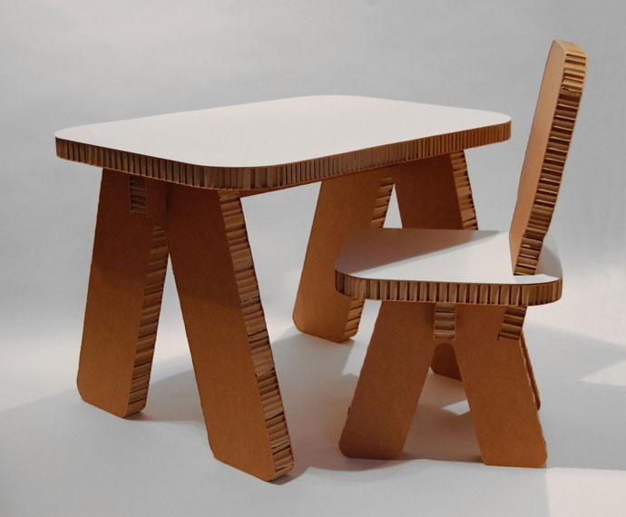 100% Recyclable Small cardboard table and a stool Design Ideas