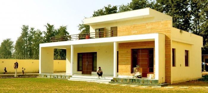 Contemporary House Architecture - Chattarpur Farm House | Founterior