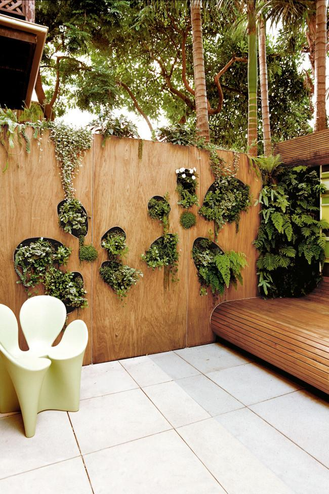 Creative garden wall with holes in it - Amazing Home Decorating Style Trends and Ideas