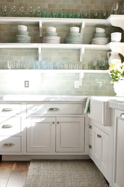 Kitchen shelves for glasses and plate sets - Low-Budget Ideas and Ways To Bring the Summer into your Kitchen