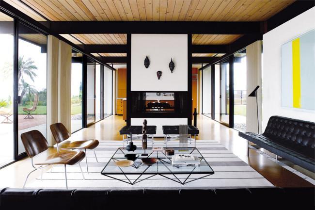 Dream Beach House In Miami In Mid Century Modern Style