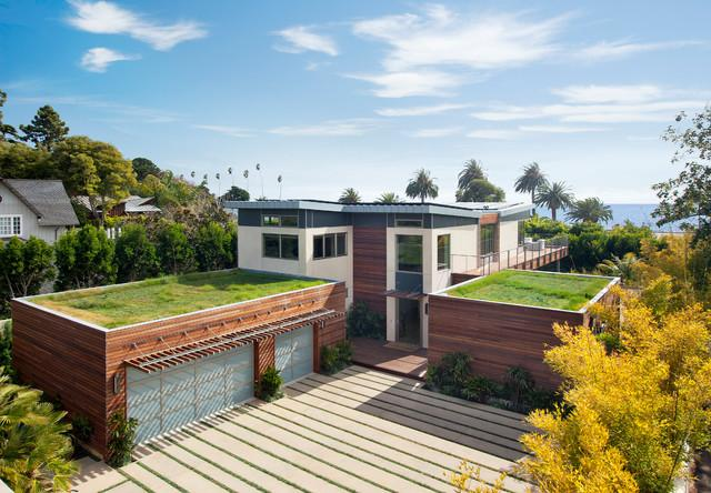 Grass on the roof in a house in USA - Sustainable Architecture Design of a Luxury House in California