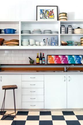 Simple white kitchen design - Small Apartment Interior Design in Victorian Style