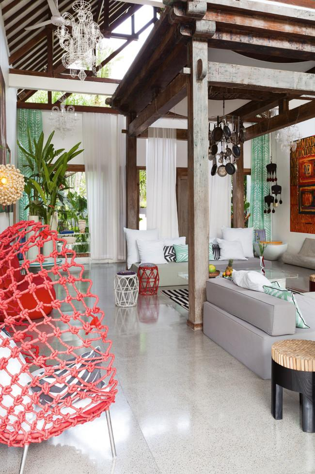 Tropical home interior design of a house in bali founterior for Tropical home decorations