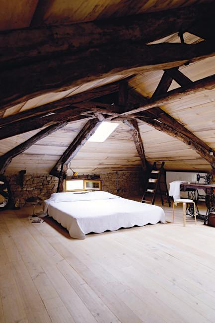 Spectacular vintage and rustic bedroom design - Rustic French Country Home Interior Design in Paris