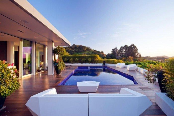 Beverly Hills One Story House - A Stunning home.