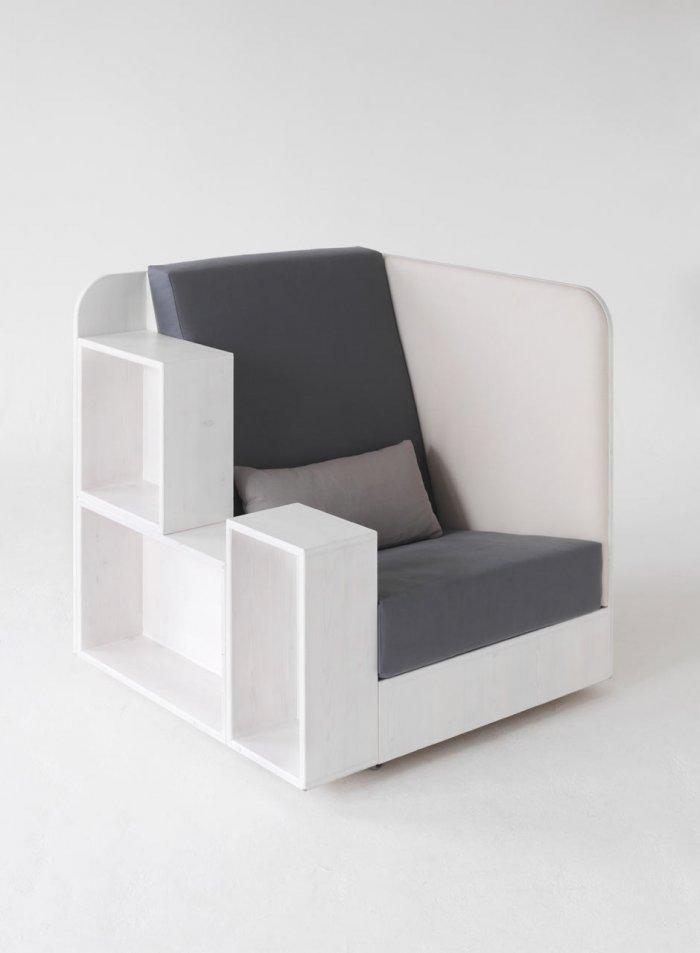 An Extraordinary Comfortable and functional armchair by Quiet and Call
