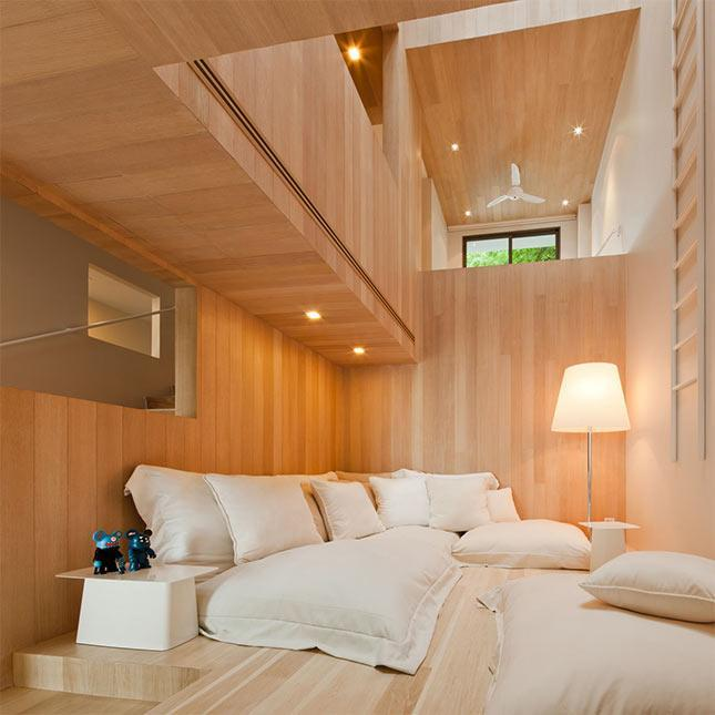 Minimalist house design with bear graffiti in thailand for Minimalist house thailand