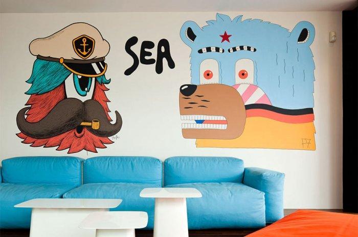Creative wall decoration idea - Minimalist House Design with Bear Graffiti in Thailand