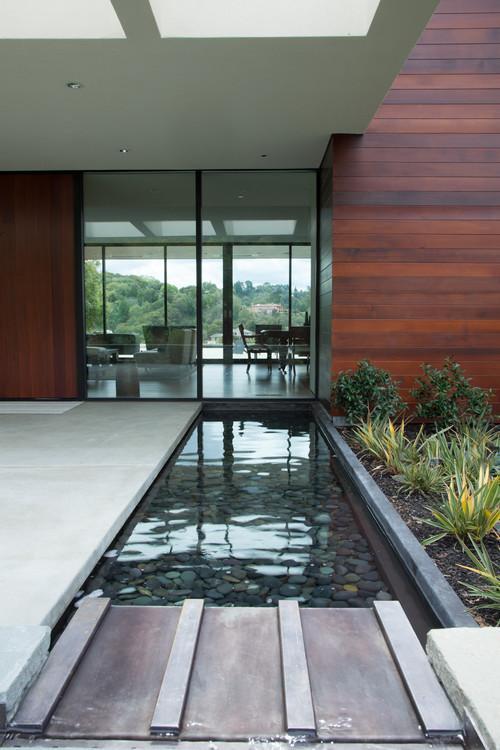 Extended garden pool Ideas for Trendy Homes