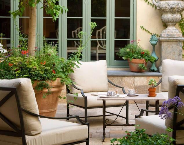 Lovely French Style Garden Design - A Parisian Courtyard