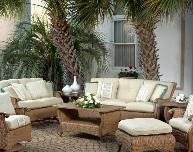 Patio Furniture Arrangement Ideas