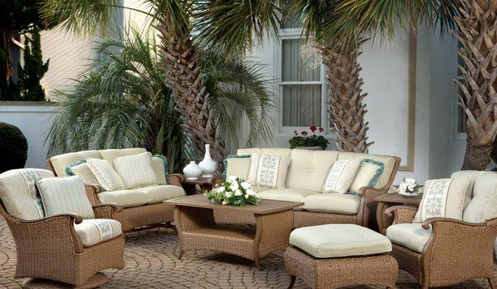 Contemporary Garden and Patio Furniture Arrangement Ideas