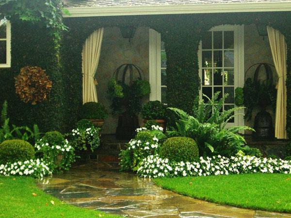 Path leading to the main entrance in the house - Contemporary Garden Design Ideas for Summer 2013