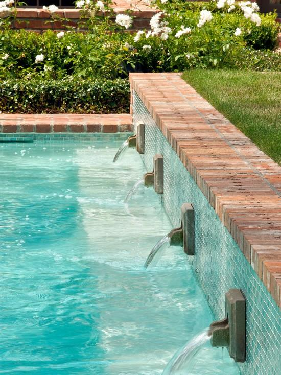 Garden Swimming Pool - Classical Garden Decoration Ideas from a Real Estate