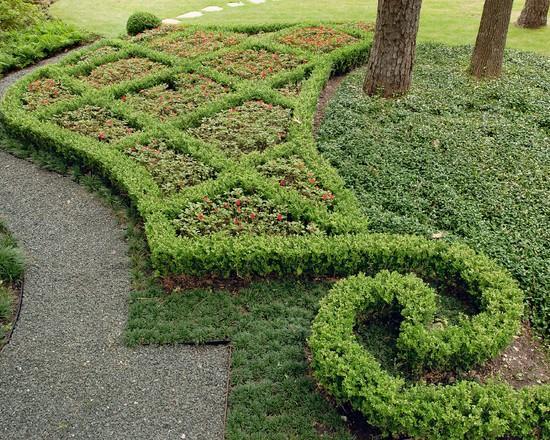 Home garden flowering - Classical Garden Decoration Ideas from a Real Estate