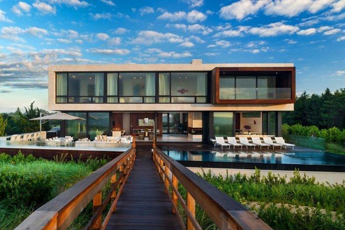 Luxury Two Story oceanside house in New York