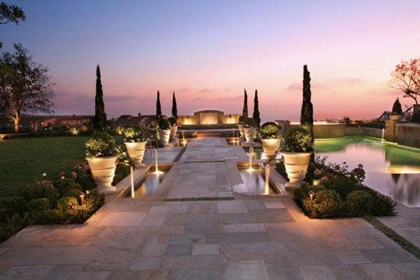 Luxury And Spacious   Contemporary Garden Design Ideas For Summer 2013