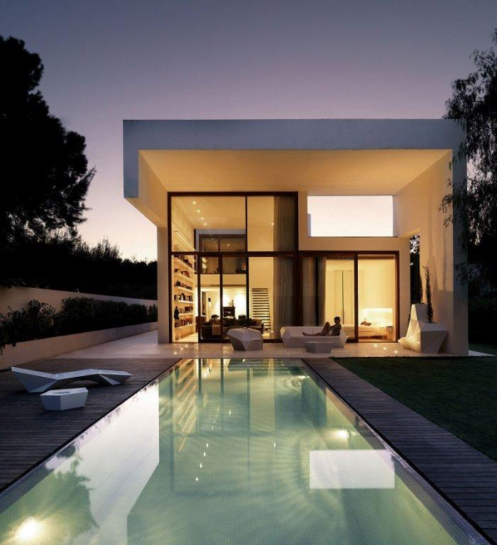 Minimalist House Design: Minimalist Luxury House Design By Ramon Esteve Studio