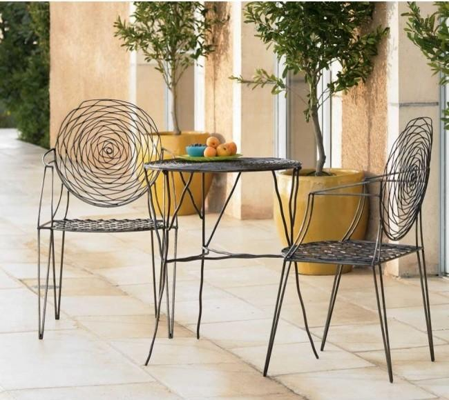 Modern french style garden chairs – Contemporary Patio Furniture Arrangement Ideas