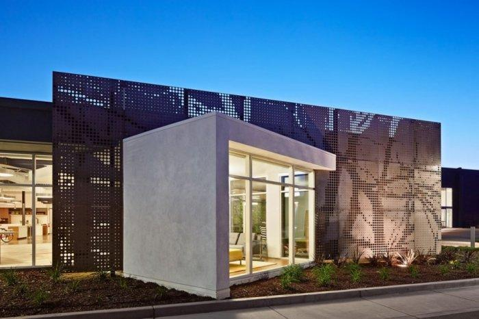 Modern office building facade in California - One Workspace by Design Blitz