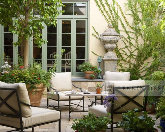 Lovely French Style Garden Design - A Parisian Courtyard ...