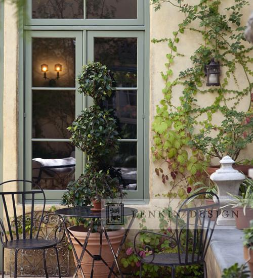 Lovely French Style Garden Design – A Parisian Courtyard | Founterior