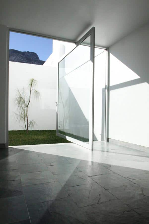 12 Pivot Doors Leading To Outdoor Patios Ideas And