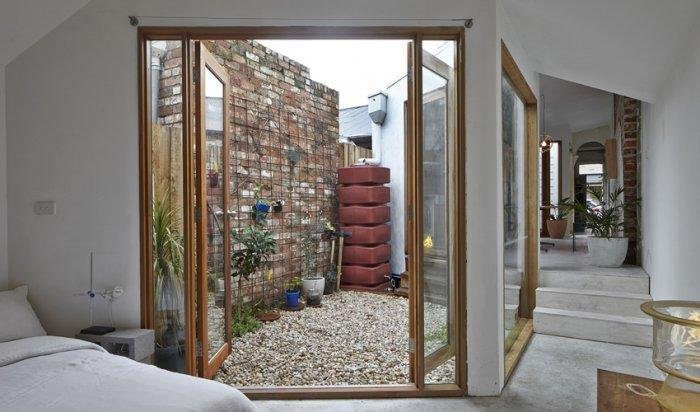 Small House with Contemporary and Functional Architecture