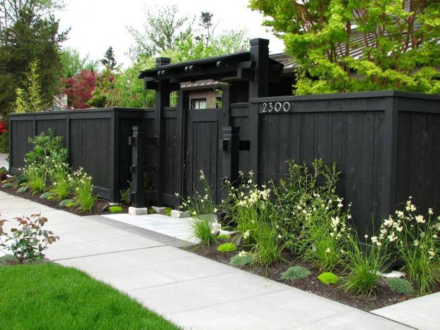Wooden black garden fence - 9 Garden Design Ideas, Tips and Examples for 2013
